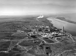The Hanford nuclear plant along the Columbia River in 1960